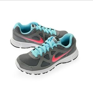 Nike revolution running sneakers size 8